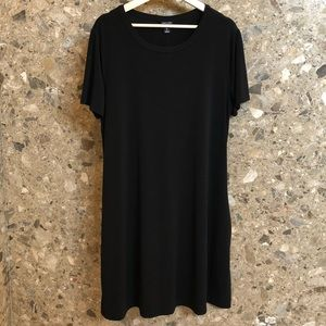 EUC Solid Black Swing Dress with Pockets